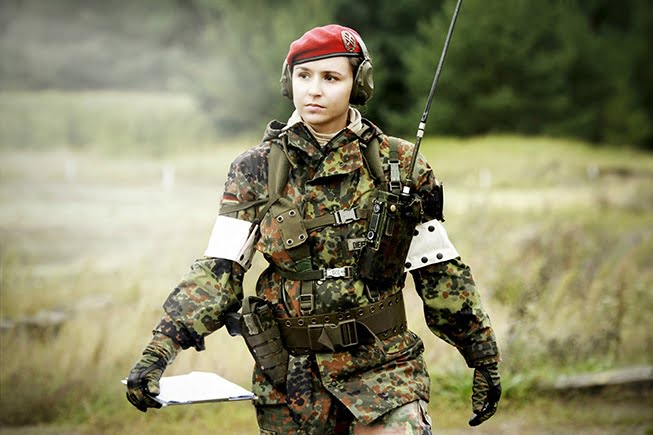 IELTS_Writing_Should_women_be_in_the_army